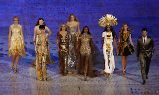 Fashion supermodels in the Olympic closing ceremony