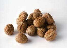 kacang-kenari-cegah-kanker-payudara