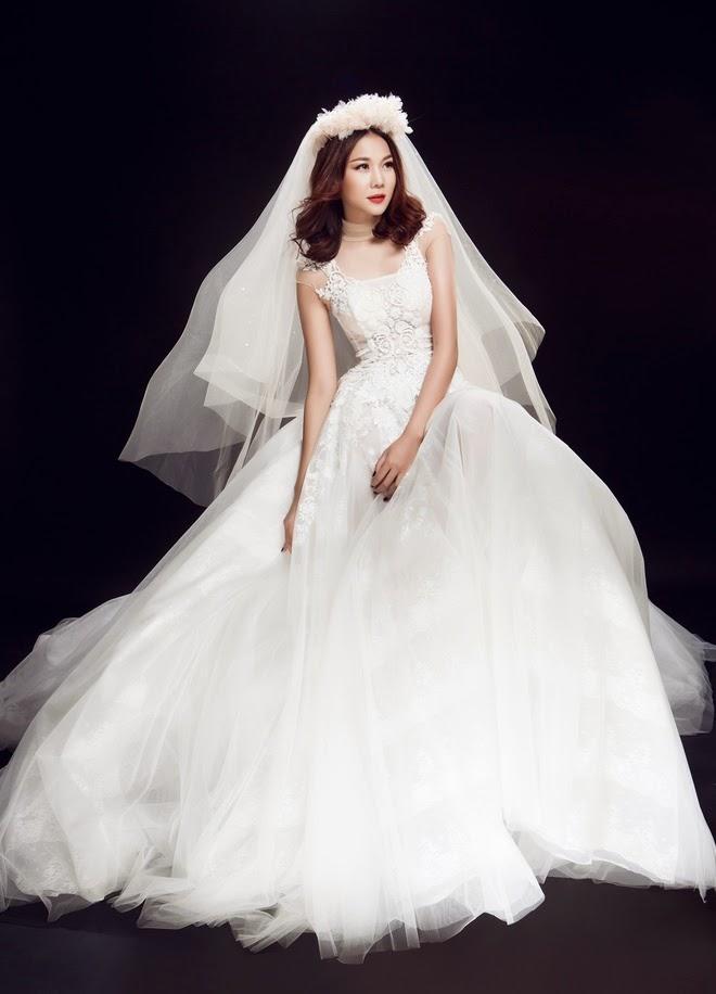Thanh Hằng rạng rỡ trong trang phục cưới