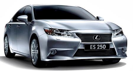Lexus ES 250. Majalah Otomotif Online