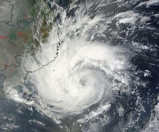 HQ-Satellitenbild Taifun PAKHAR bei Vietnam, Pakhar, 2012, aktuell, März, Hurrikanfotos, Taifun Typhoon, Taifunsaison, Taifunsaison 2012, Satellitenbild Satellitenbilder, Vietnam