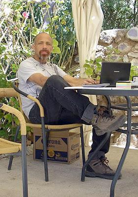 Arnel, antes de su partida. Imagen de principios del presente año, mientras se hallaba trabajando al interior de Vallenar (imagen tomada de su propio sitio Facebook).