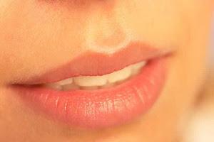 cara agar bibir sexy, tips biar bibir merah merona tanpa operasi