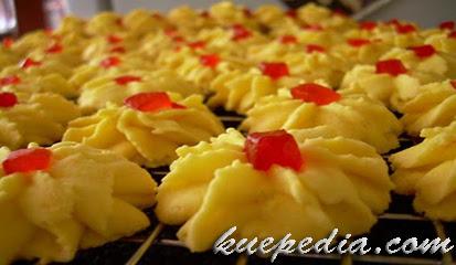 Resep Untuk Membuat Kue Semprit Bunga