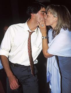 joven belen esteban pareja jesulin beso