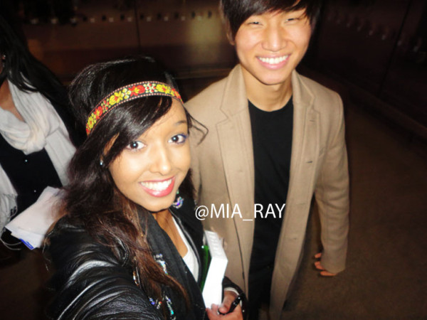 Daesung with a fan