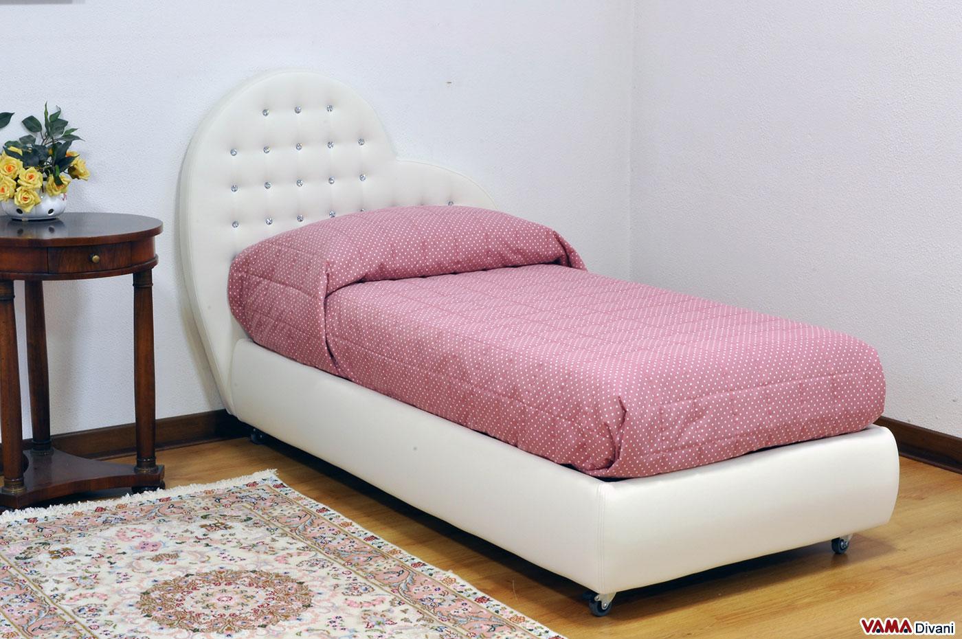 Vama divani blog letto su misura con testata a cuore for Divano letto dimensioni ridotte