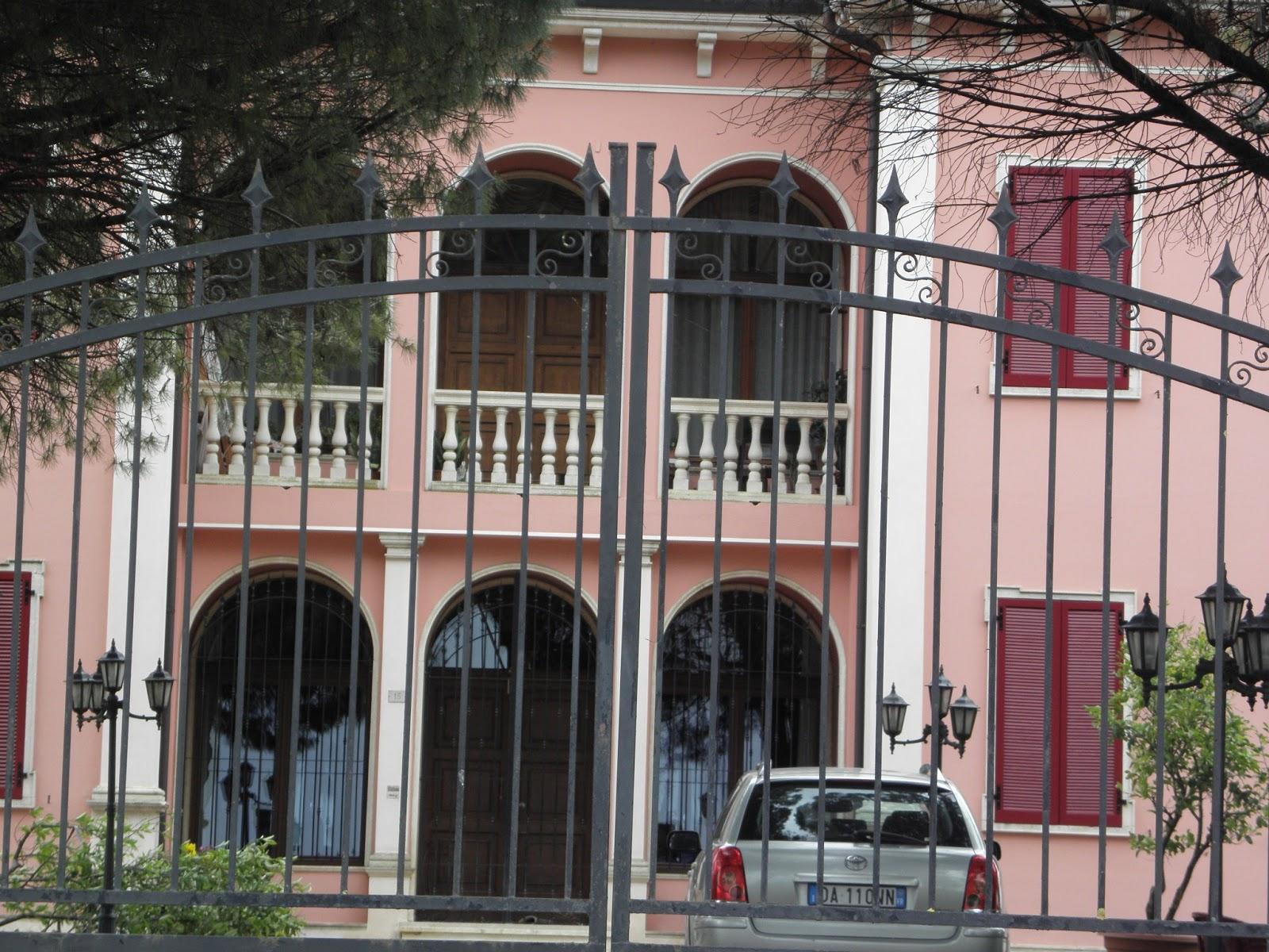 Cool villa merlin zancanella isole spare menago disegni di for Disegni di ville