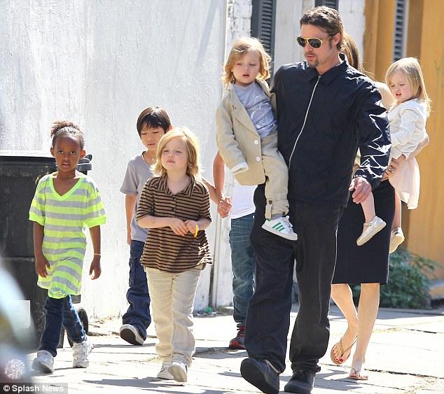 Newshocker: Brad Pitt ...