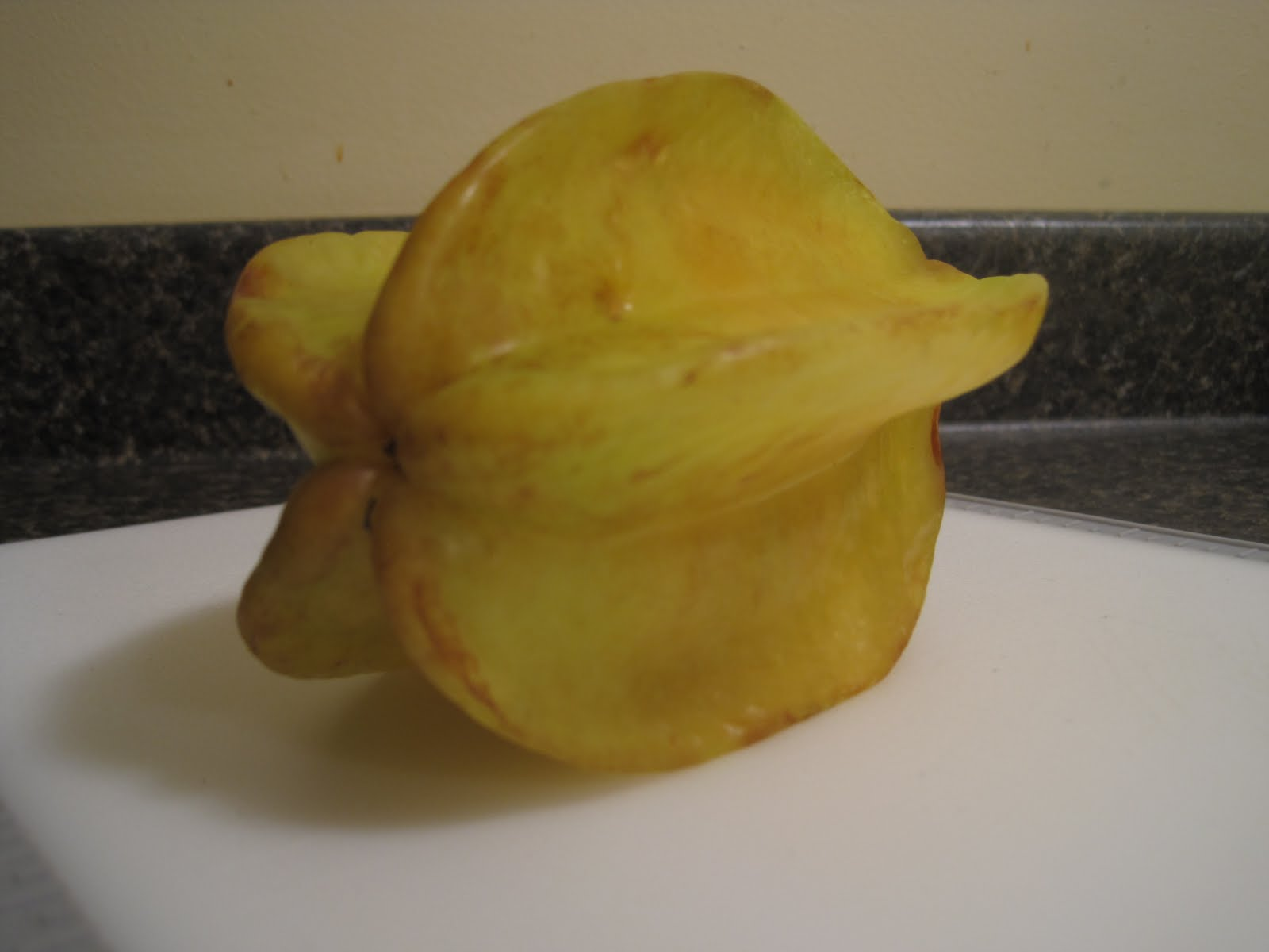 how to cut a star fruit is ripe