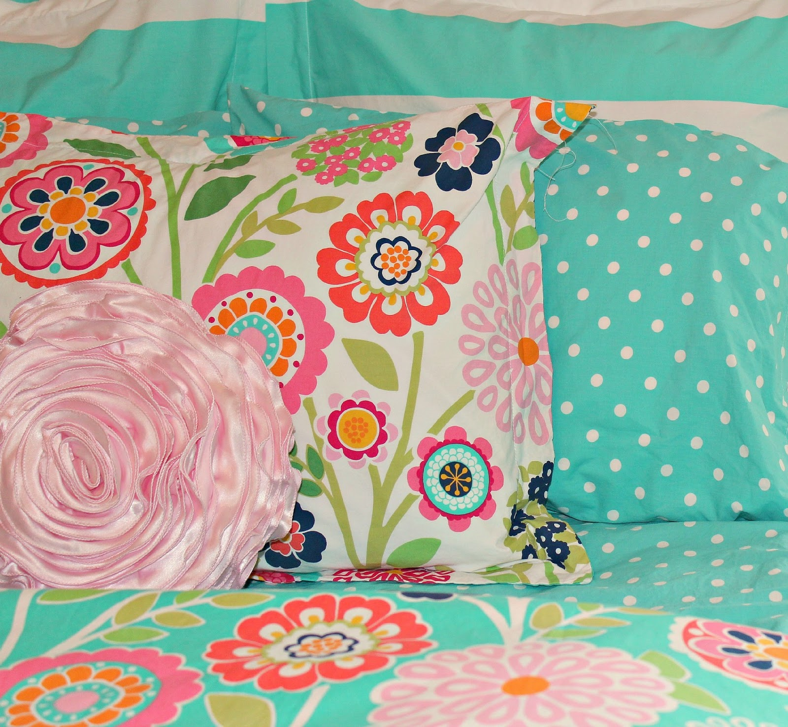 Turquoise and pink bedding - Big Girl Bedroom Seaside Floral Bedding