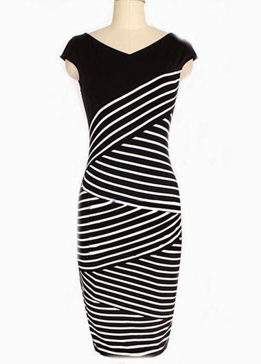 Vestido Manga Corta, Cuello V con Lineas Diagonales en Blanco y Negro