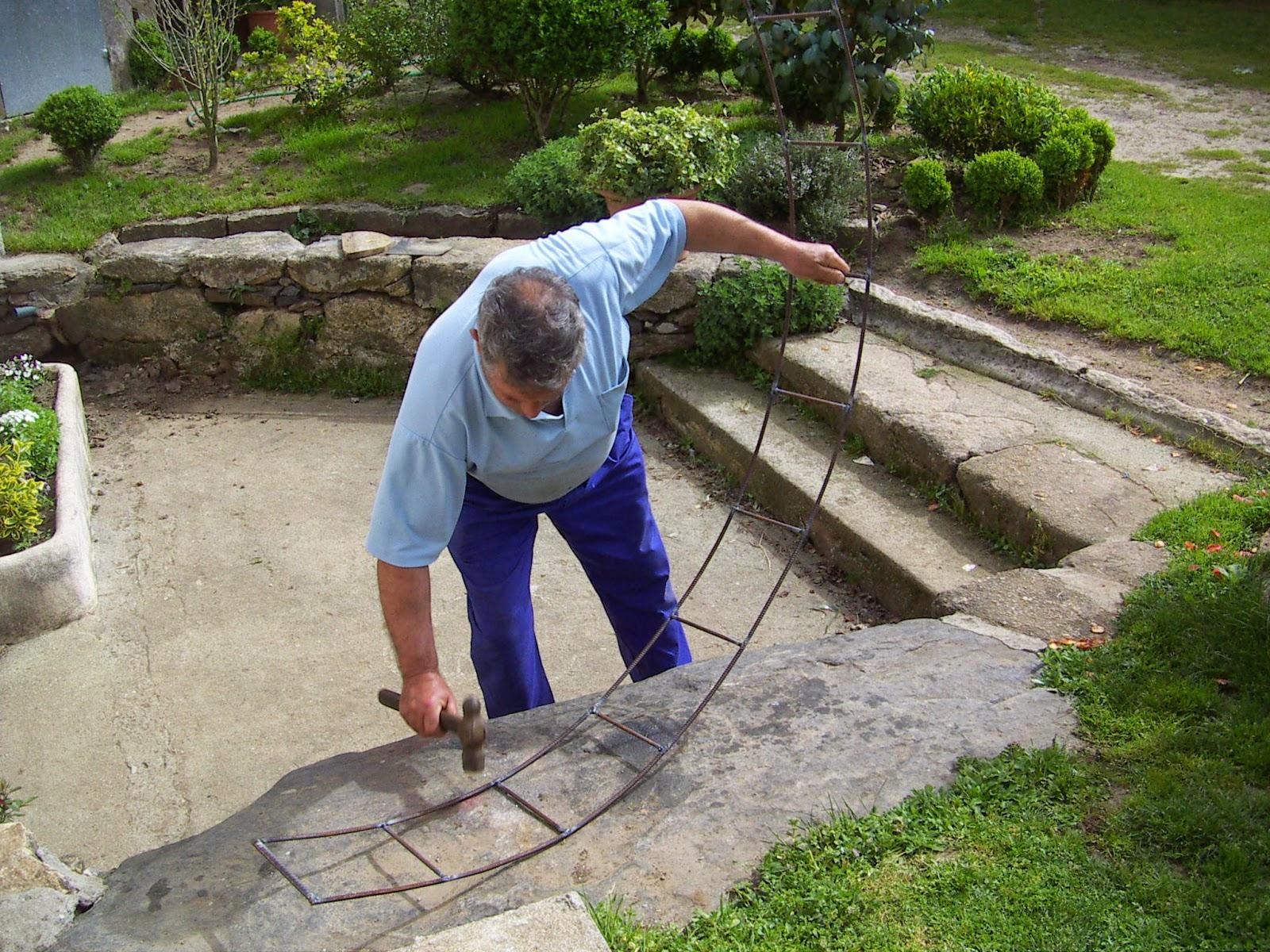 El rinc n de un aprendiz arco de hierro para el jard n for Arcos para jardin