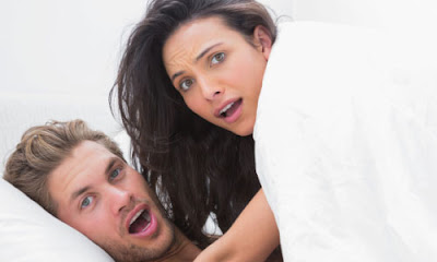 7 Tips on How to Catch a Cheating Girlfriend,cheating on your wife husband man woman on bed fucking have sex