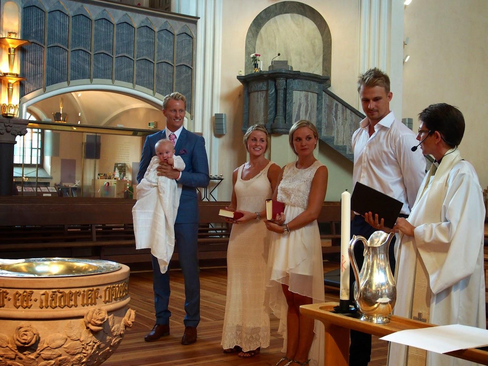 gungstol barn dop ~ ccaisas dop med bröllopsvibbar