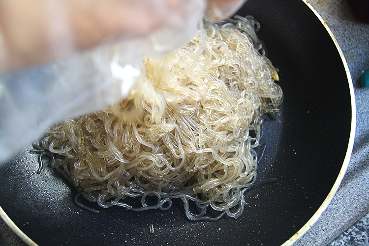 japchae-dangmyun-sweet-potato-noodles