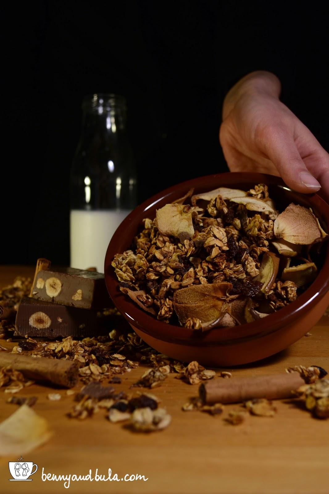 ricetta granola light senza grassi e zuccheri con mele arancia cannella torrone uvetta/homemade granola fat and sugar free with apple orange cinnamon chocolate hezelnuts