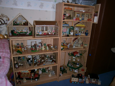 huge collection of old sylvanian families toys