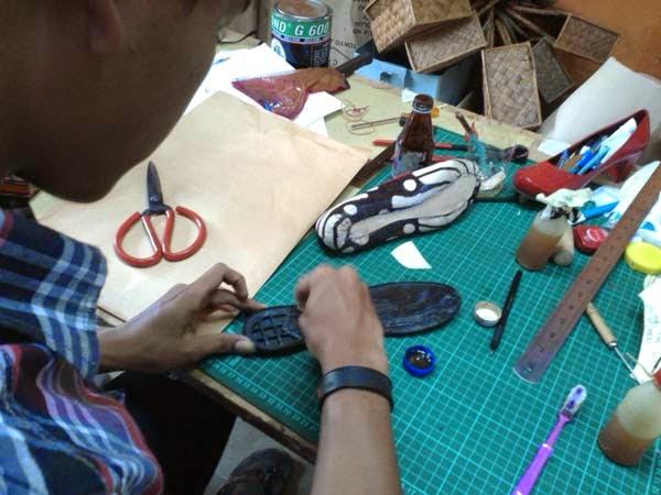 kursus membuat pola sepatu pump