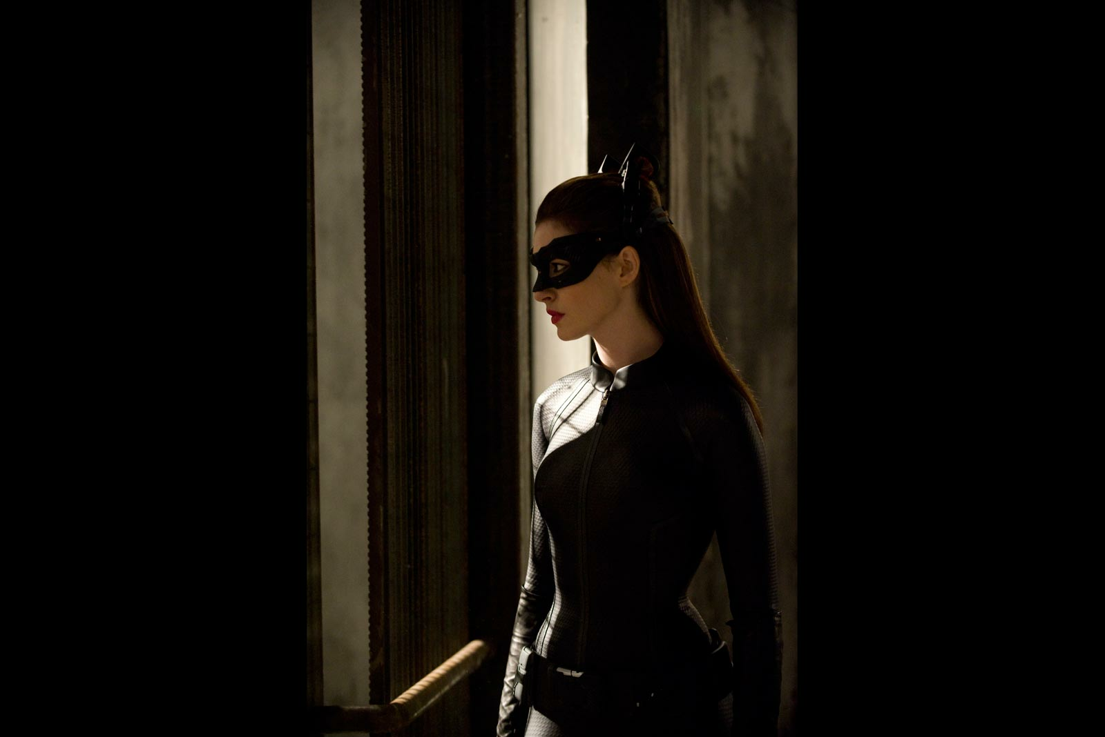 'The Dark Knight Rises's Catwoman: a (Shhh!) with a Heart ...