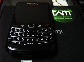 BlackBerry onyx2 9780 Rp.1.700.000 hub. 085216777745