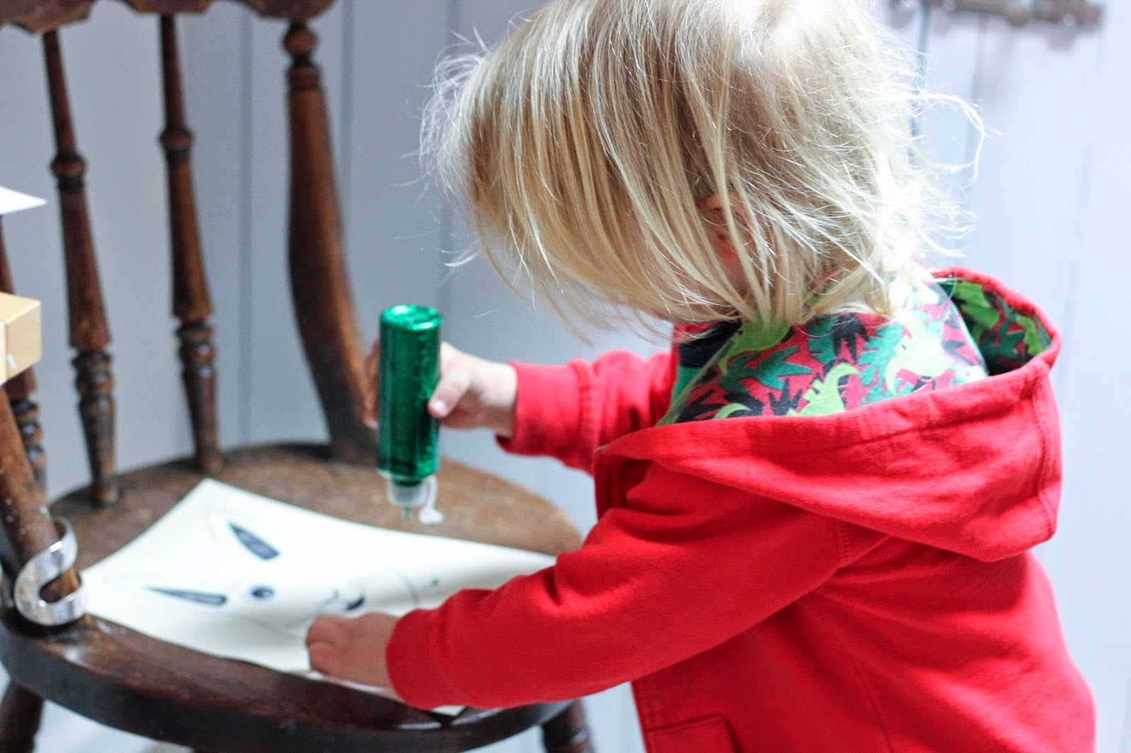 toddler crafting