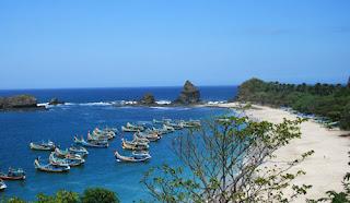 Eksotis Pantai Papuma Jember Seperti di Hawai