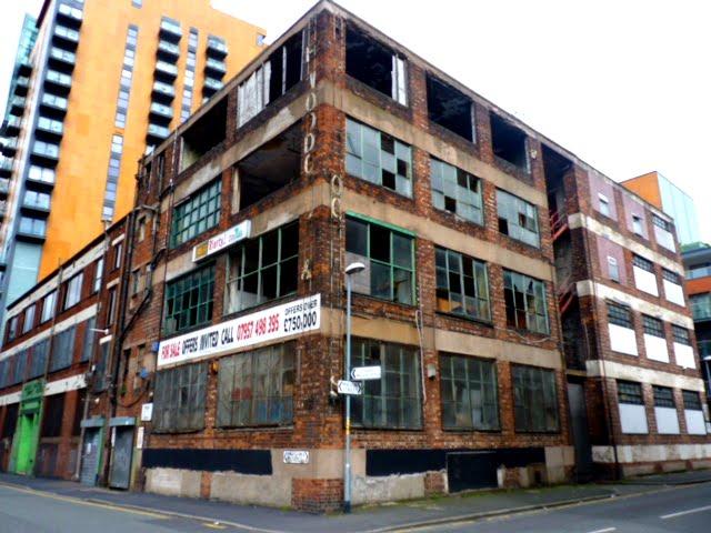 Fábrica de Manchester tonalidad roja-marrón
