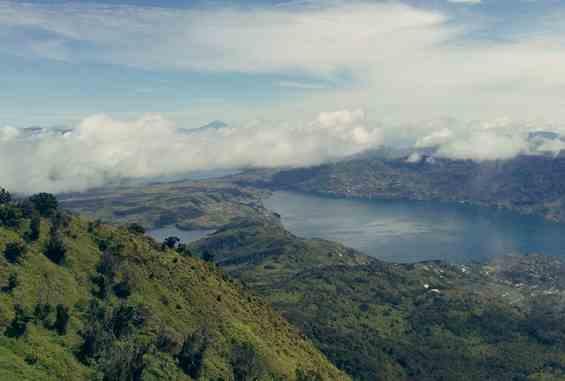 Danau tertingi di Gunung Tujuh Kerinci Jambi Indonesia