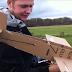 Έφτιαξε ένα χάρτινο αεροπλάνο του έβαλε μηχανή και δείτε το εν δράση!