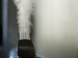 membersihkan dengan pembersih uap panas