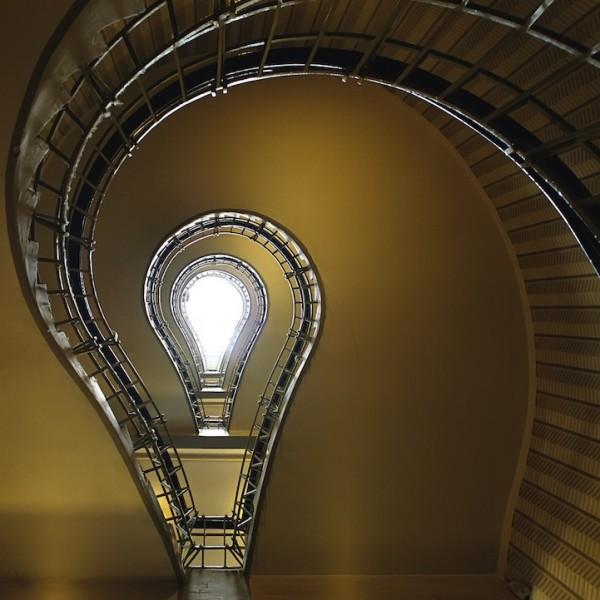 Fotos de escadas espirais por Nils Eisfeld