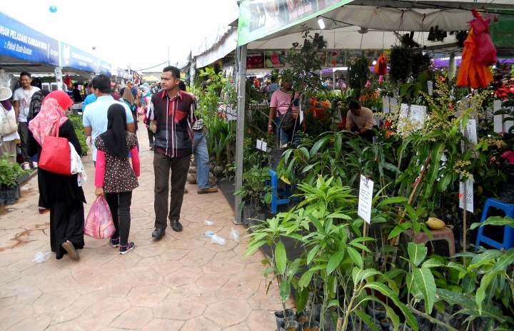 Menarik di Tapak Bazaar Jualan MAHA 2014