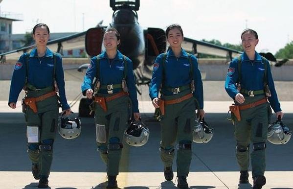 PLAAF women pilots