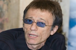 Cancer leva Robin Gibb