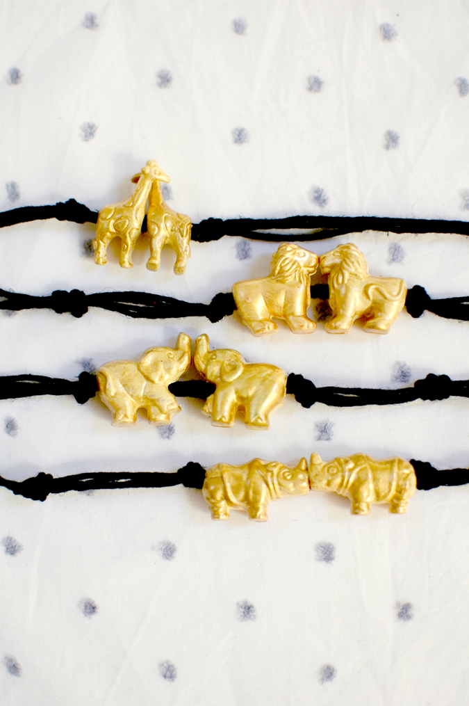 zoo animal bead bracelet jewelry giraffe lion elephant rhino tutorial