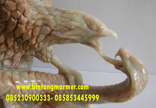 Patung Marmer Garuda