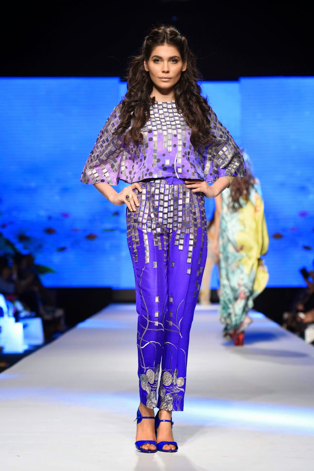 amna babar for sania maskatiya TFPW15