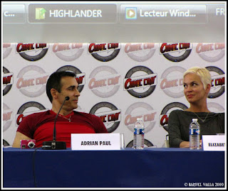Adrian paul et Elizabeth gracen en interview public de la comic con
