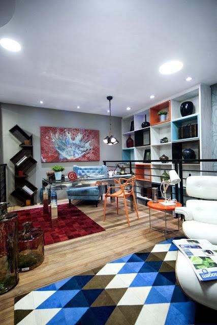 Design in Orange und Türkis - knallig aber stimmig eingerichtet in diesem Büro