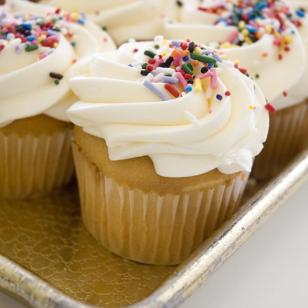 Yummy treats: Vanilla Cupcake