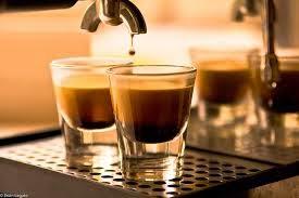 santai bersama secangkir espresso