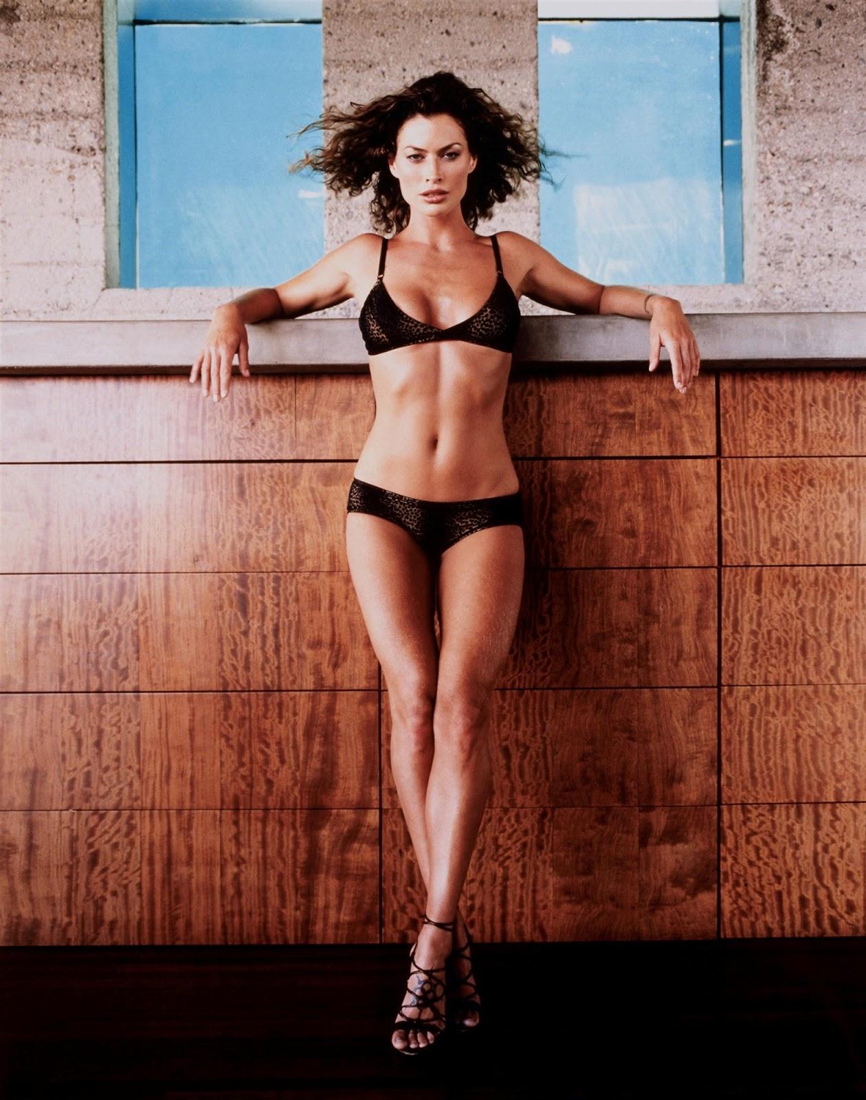 http://4.bp.blogspot.com/-b-86lL6kktw/TnNJSqX2LkI/AAAAAAAAA4M/WQURWwGVGGY/s1600/Carre-Otis-in-hot-bikini-6.jpg