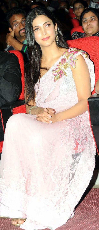 S, Shruti Hassan, Shruti Hassan Hot pics, HD Actress Gallery, latest Actress HD Photo Gallery, Latest actress Stills, Telugu Movie Actress, Tollywood Actress, Indian Actress, Saree pics, Actress, Telugu Movie Actress Shruti Hassan Latest saree  stills