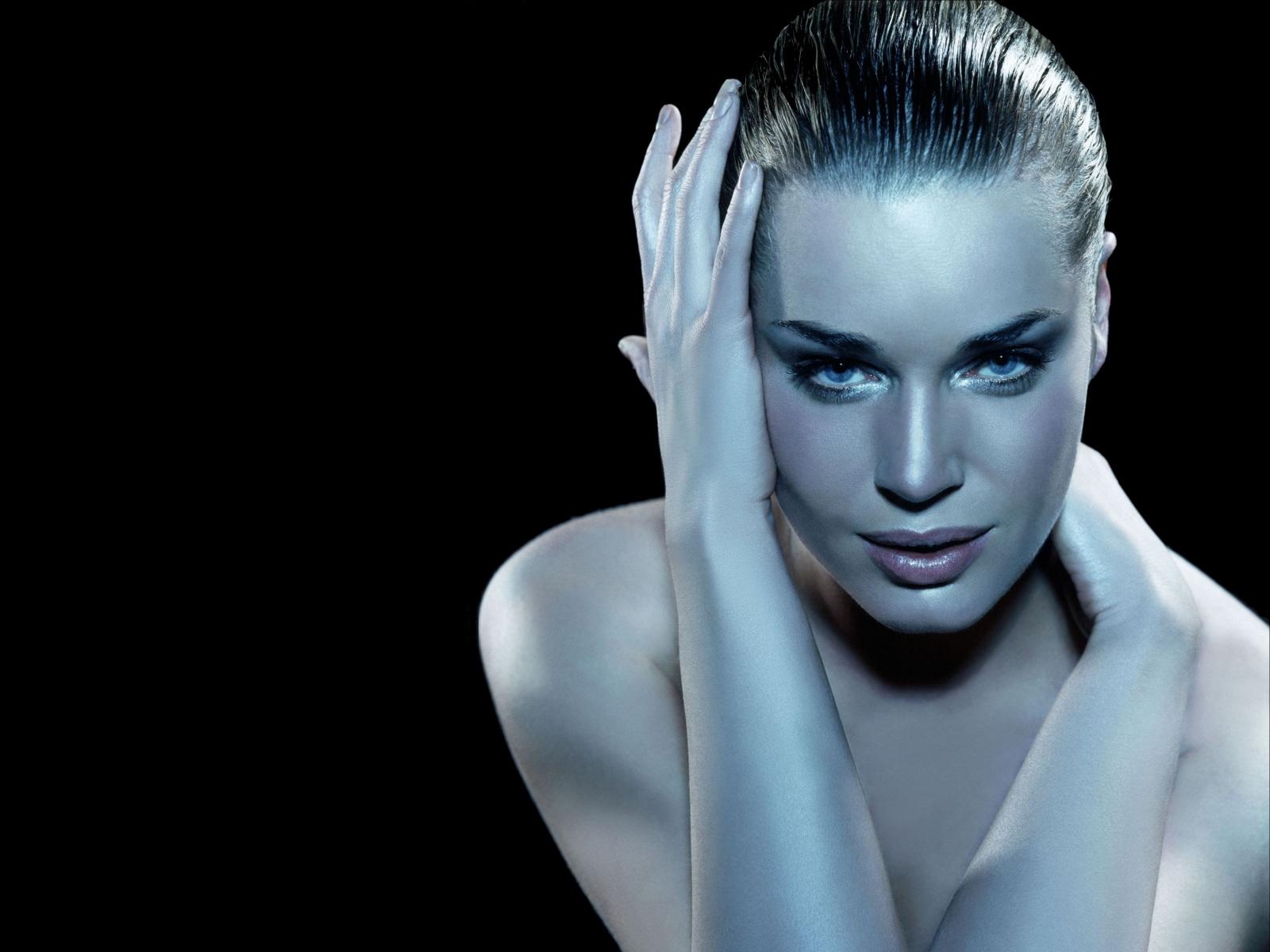 http://4.bp.blogspot.com/-b-ESr-U158s/TZXjQ_XyqEI/AAAAAAAABtM/6yvnXMA_tdM/s1600/Rebecca_Romijn.jpg