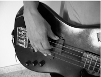 bass guitar finger position