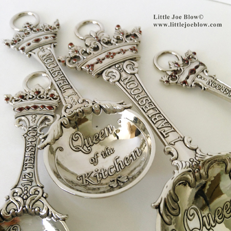 queen of the kitchen measuring spoons sold by little joe blow photo 1