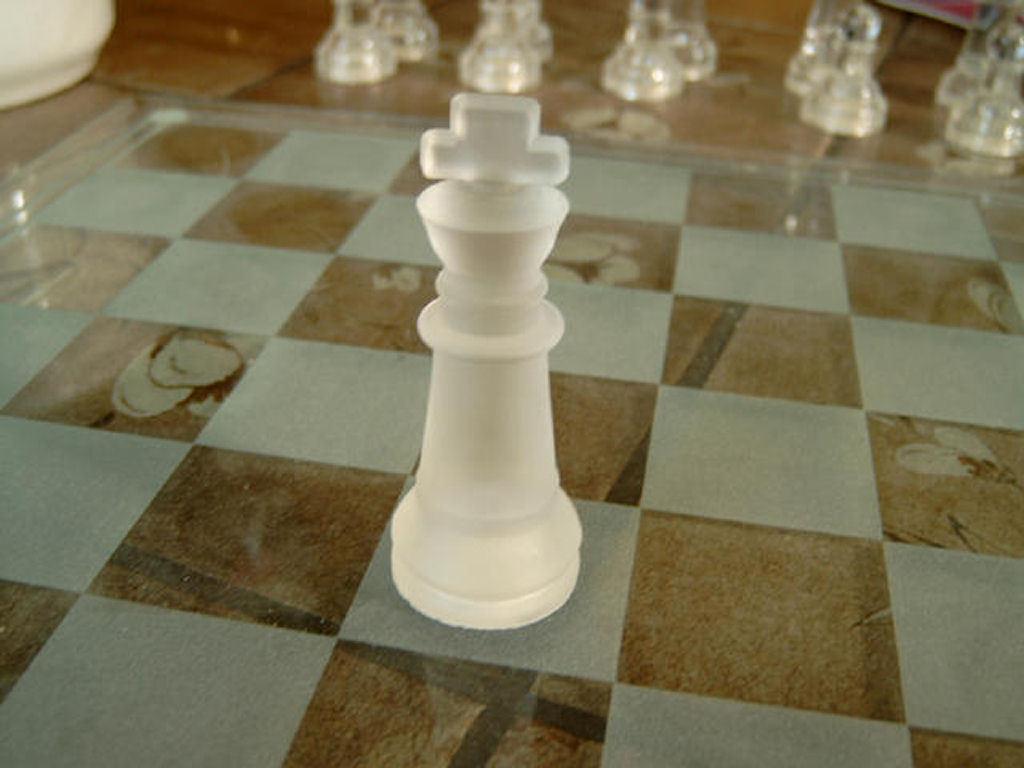 http://4.bp.blogspot.com/-b-aGdrZJoPg/TipFMslxNhI/AAAAAAABvxQ/RDJFwsZ7cJU/s1600/Chess%252Bset%252B19.jpg