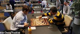 Echecs ronde 8 : Magnus Carlsen (2837) 1-1 Viktor Bologan (2732) © site officiel