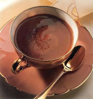 دراسة: فنجان شيكولاته يعادل 100 ملليجرام من الاسبرين